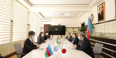 Yaponiya Nippon Fondunun kitab hədiyyəsini səfir BDU-ya təqdim edib