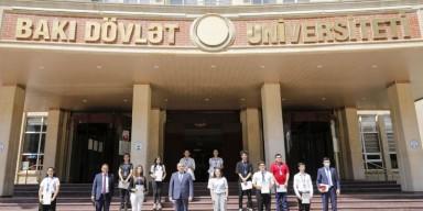 """BDU-nun rektoru """"BDU könüllüləri"""" ilə görüşüb"""