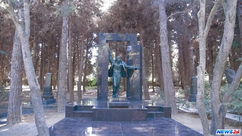 Bu gün dünya şöhrətli alim Lütfi Zadənin anım günüdür